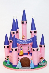 elysia-root-cakes-chicago-princess-castle-birthday-cake