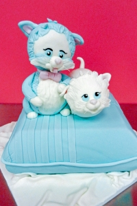 elysia-root-cakes-chicago-kittens-cat-pet-cake