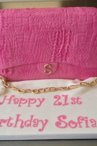 elysia-root-cakes-chicago-pink-purse-birthday-cake