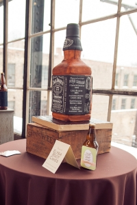 elysia-root-cakes-chicago-whiskey-cake
