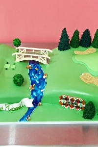 elysia-root-cakes-golf-course-birthday-cake