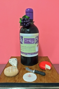 elysia-root-cakes-wine-bottle-cake