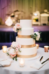 elysia-root-cakes-chicago-gold-wedding-cake