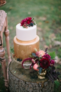 elysia-root-cakes-chicago-gold-brushed-earthy