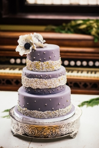 elysia-root-cakes-chicago-grey-sugar-pearls-wedding-cake