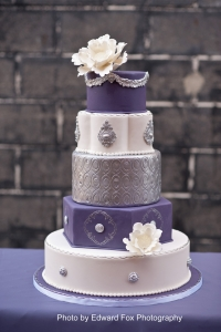 elysia-root-cakes-chicago-purple-silver-cake