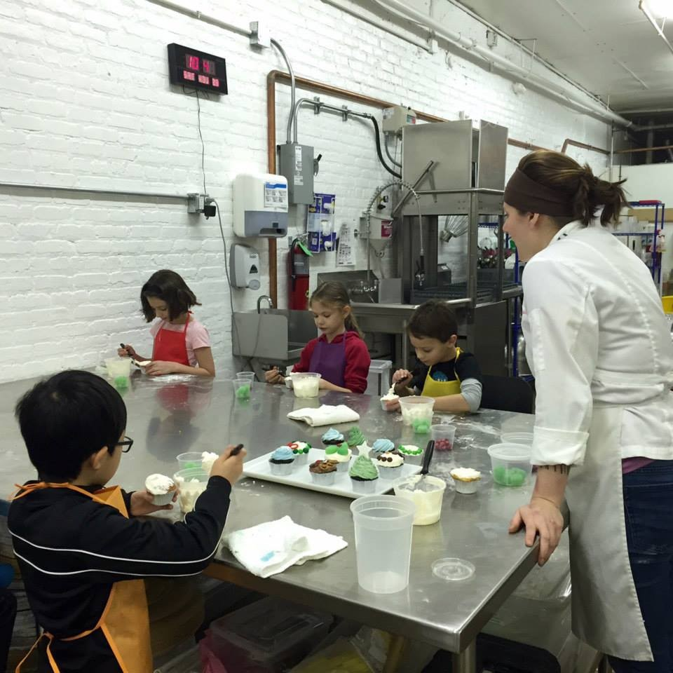 Cake Making Training Classes : Baking Classes at the Elysia Root Cakes Studio