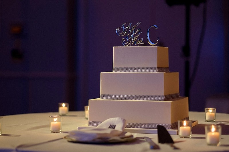 New Years Eve Wedding Cake With A Touch Of Glam